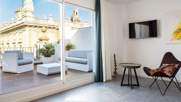 apartment__puerta-catedral-indias_lofts_subheader_bg1